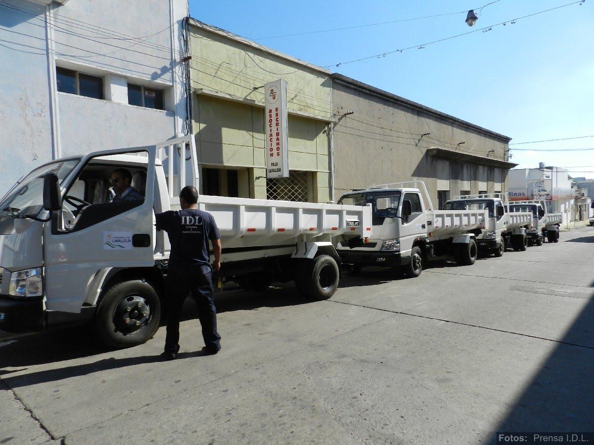 att-0-informe-de-prensa-nuevos-camiones-para-juntas-y-municipios-idl.JPG