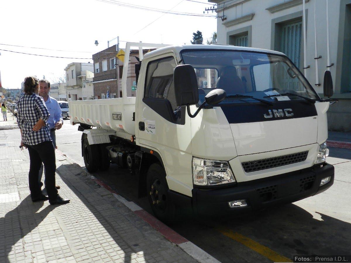 att-2-informe-de-prensa-nuevos-camiones-para-juntas-y-municipios-idl.JPG