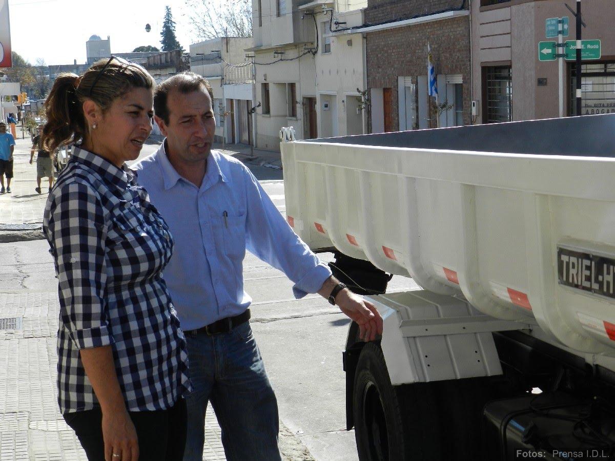 att-3-informe-de-prensa-nuevos-camiones-para-juntas-y-municipios-idl.JPG