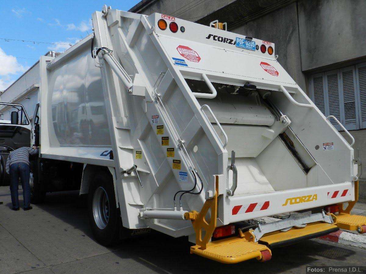 att-3-nuevos-camiones-intendencia-departamental-de-lavalleja.JPG